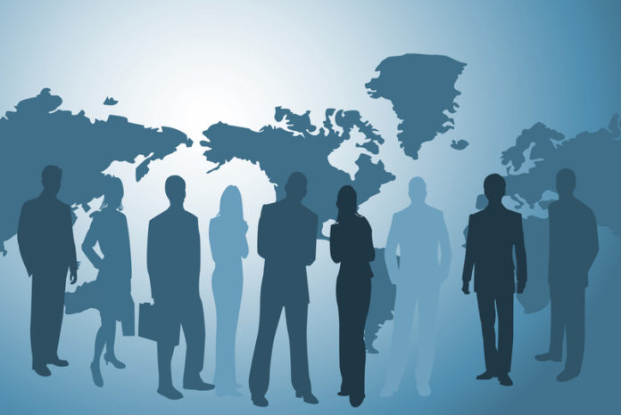 """Wo früher einer führte, führen heute zwei oder drei: In Zeiten der Globalisierung unterscheiden sich Erfolgs- und Erfahrungsmuster der """"Alten"""" und der """"Jungen""""."""