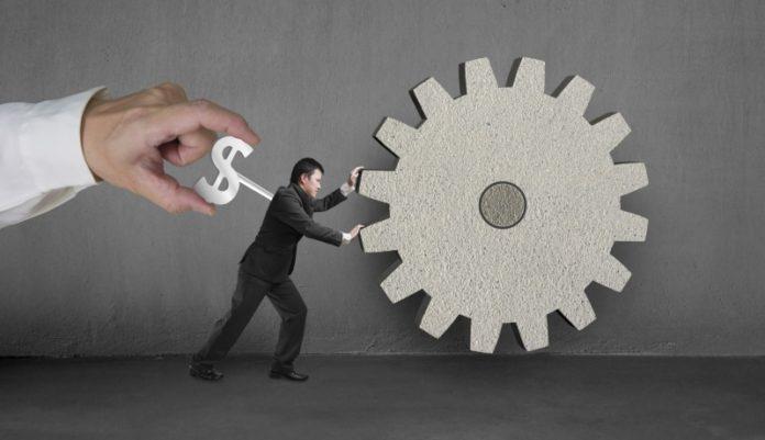 Der Faktor Mensch: Das IW geht von steigenden Arbeitskosten aus.