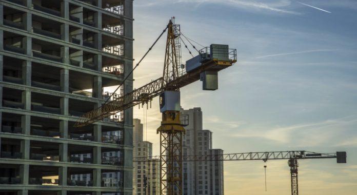 Stillstand: Vor allem bei Bauprojekten können Kosten schnell aus dem Ruder laufen.