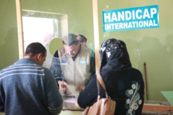 Mitarbeiter von Handicap International vor Ort: Auch im Nahen Osten ist die Hilfsorganisation aktiv.