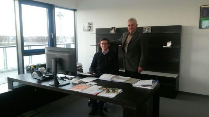 Schüler im Chefsessel - Hans Müller und Maximilian Gögelein_Hans Müller Unternehmergruppe Nürnberg
