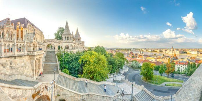 Fischerbastei in Budapest: Die Zahlungsmoral ausländischer Kunden in Osteuropa lässt zu wünschen übrig (© fotolia pure-life-pictures)