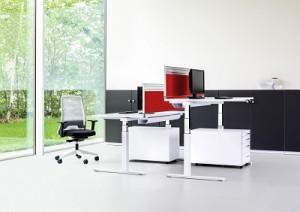 Sitz-Steh-Schreibtisch: Mit ihm wurde Reiss 1910 berühmt (© Reiss Büromöbel GmbH)
