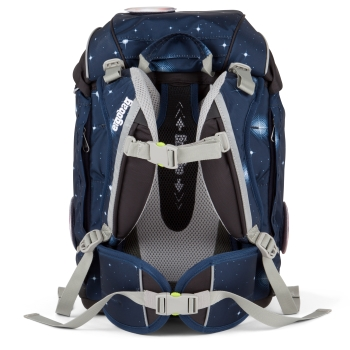 Ergobag für Grundschüler: Mit Beckenflossen, Rückenpolster und verstellbaren Schulterträgern wird die Last vom Rücken auf die Hüfte übertragen