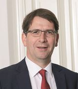 Dr. Lars Slomka