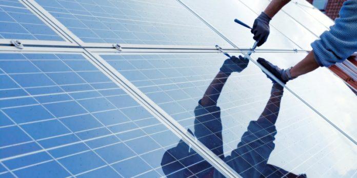 Installation einer Solaranlage: Deutsches Know-How im Ausland ist sehr gefragt.