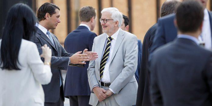 Unter Gleichen: Stefan Klemm (links) will Family Offices und Mittelständler zusammenbringen.