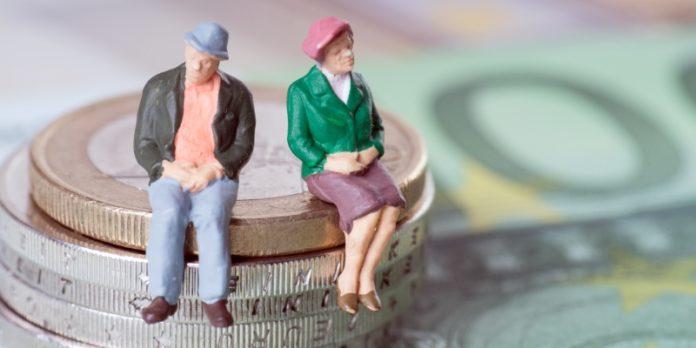 Pensionsansprüche: Der Bundesfinanzhof legte 2016 fest, dass die Zahlung an eine sogenannte Rentner-GmbH nicht als Arbeitslohn gewertet wird.