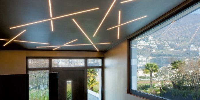 LED-Deckenleuchte von MBN: Design für lineare Lichtanwendungen.