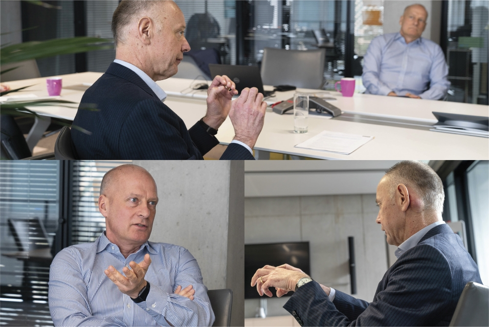 """Klaus Eberhardt (oben links) und Mark Goerke beim Interview am Iteratec-Hauptstandort in München: """"Die Mitarbeiter haben erkannt, dass ihnen Iteratec zukünftig gehören wird, und das ist schon spürbar."""