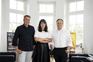 In der neuen Playboy-Zentrale: Unternehmeredition-Redakteur Mathias Renz traf Myriam Karsch und Florian Boitin in deren neuen Räumlichkeiten nahe der Münchner Theresienwiese.