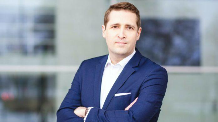 Zum 1. April 2021 rückt Philipp Unterhalt als neuer CEO an die Spitze der Hahn Group. Er übernimmt die Führung von seinem Vorgänger Thomas Hähn.