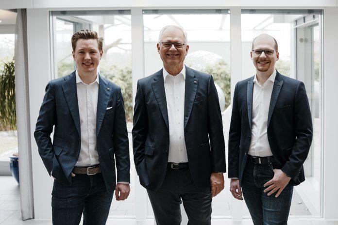 Am 15. April hat Georg Huf nach 25 Jahren als geschäftsführender Gesellschafter das Familienunternehmen Huf Haus in die Hände der vierten Generation gelegt.
