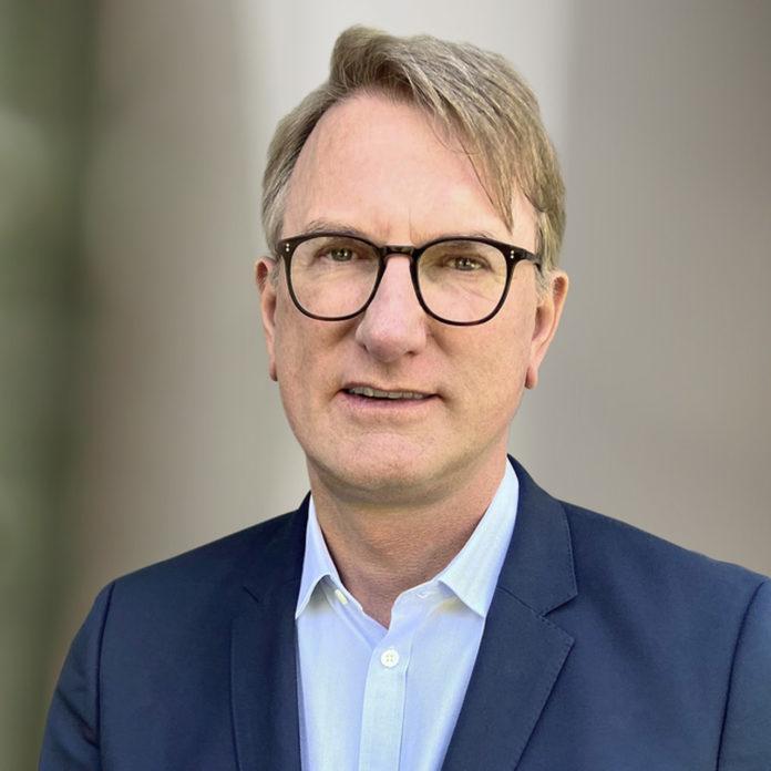 Der Aufsichtsrat der Grenke AG, eines deutschen Finanzdiensleisters, hat mit Wirkung zum 1. August 2021 Michael Bücker zum Vorstandsvorsitzenden ernannt.