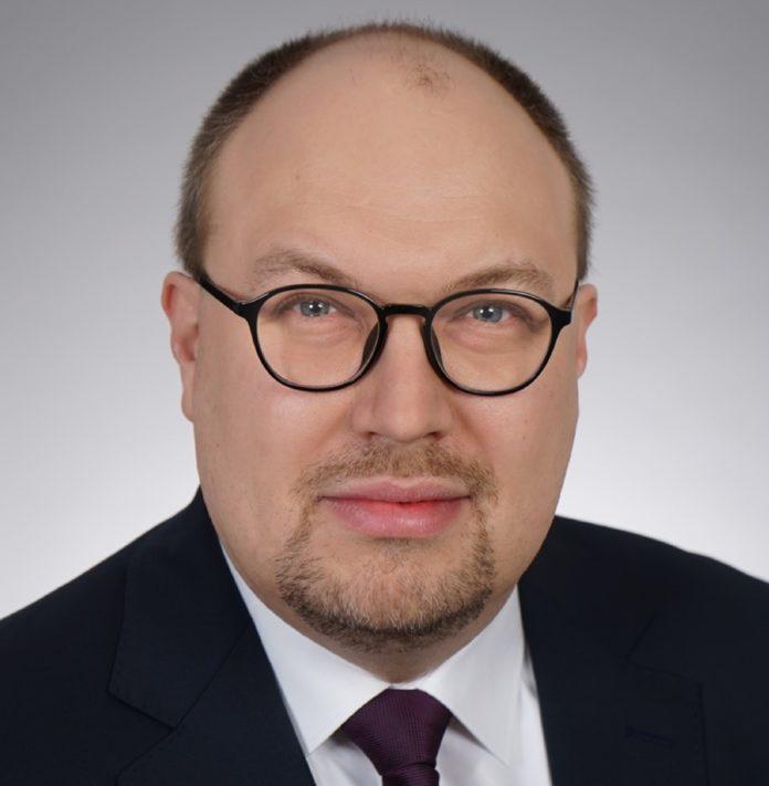 Thomas Rothe, bisher Bereichsleiter Einkauf und Supply Chain Management, rückt zum 1. Juli in den Vorstand der Rudolf Wöhrl SE auf.