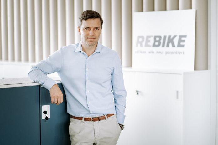 Die Rebike Mobility GmbH wächst rasant und finanziert sich jetzt für sein weiteres Wachstum mit einem Darlehen von der Kreditplattform creditshelf.