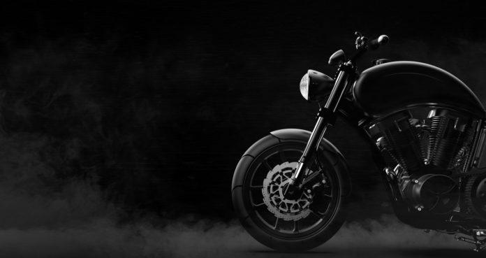 MotorradzubehörPaaschburg & Wunderlich (P&W) hat sich seit der Gründung 1982 zum europäischen Marktführer bei Beleuchtungstechnik und Spiegeln entwickelt.